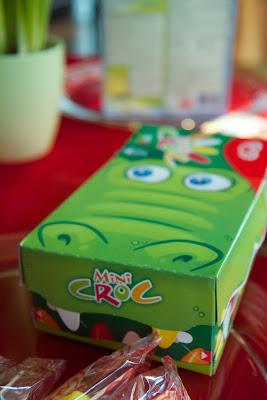 lapsiin ja minuun vetoava krokodiili