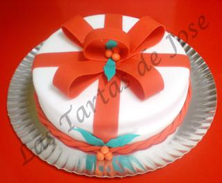 Tarta decorada con lazos. Las tartas de Jose. Castellón.