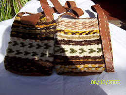 carteras en lana y cuero