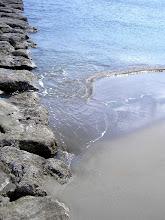 """""""Quizá porque mi niñez sigue jugando en tu playa..."""""""