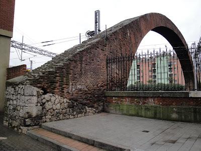 El arco de ladrillo vallisoletvm - Trasdos valladolid ...