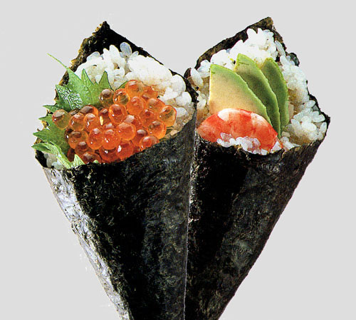 Kumquats and Kiwis: Temaki sushi ( cone shaped)