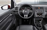 2011 Volkswagen Touran MPV 5