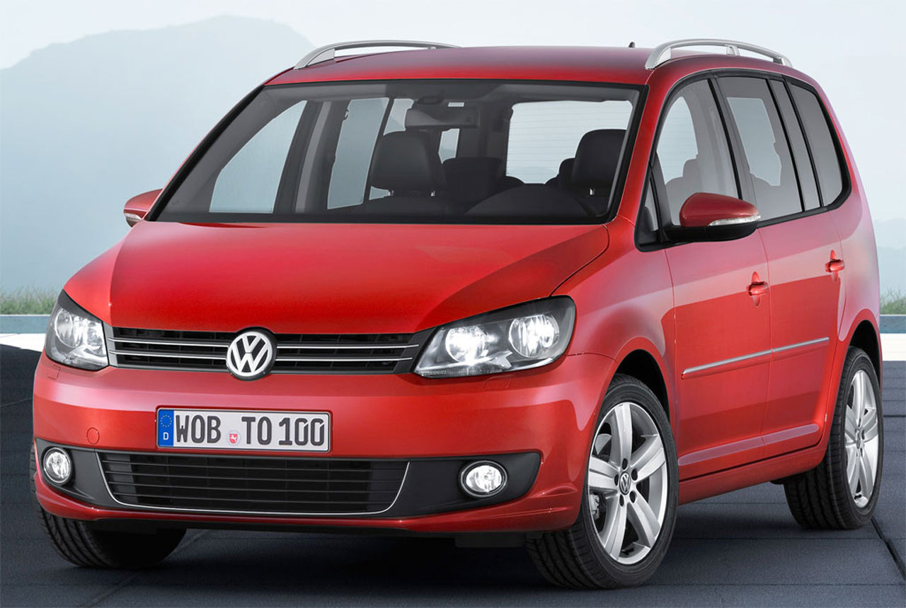 2011 volkswagen touran mpv price for customers in uk. Black Bedroom Furniture Sets. Home Design Ideas