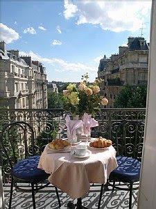 Casa haus english flowered balconies - Le petit balcon paris ...