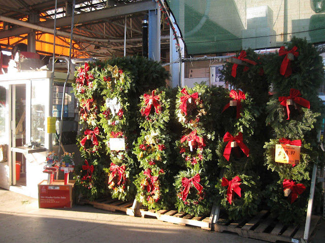 Christmas-Wreaths-at-The-Home-Depot-in-Farmingdale