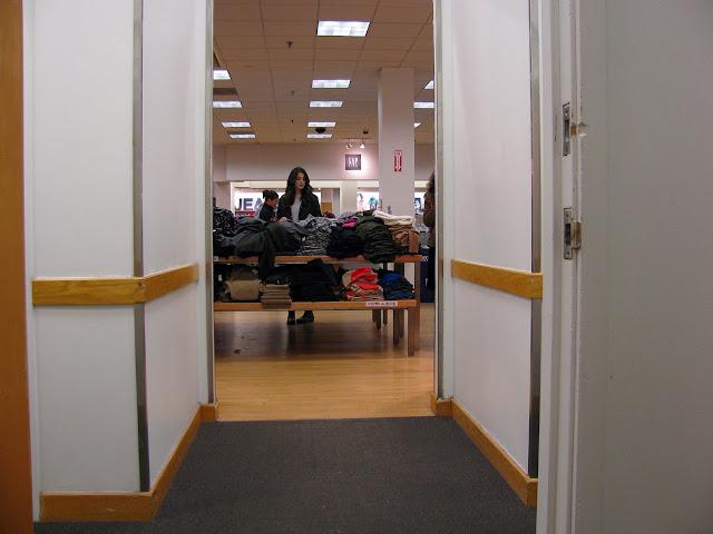 Gap-Dressing-Room