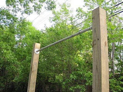 last week a brand spanking new pull up bar was brought into the world