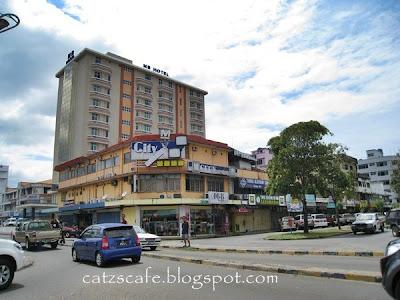 Kalau Ke Tawau Banyak Pilihan Tempat Penginapan Dari Rumah Tumpangan Hinggalah Hotel 4 Bintang Antara Yang Terkenal Ialah King ParkHotel