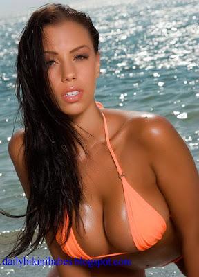 Seducing Hot Model In Orange Bikini, Bare For You.