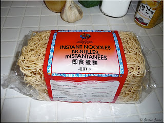 Rooster Brand instant noodles