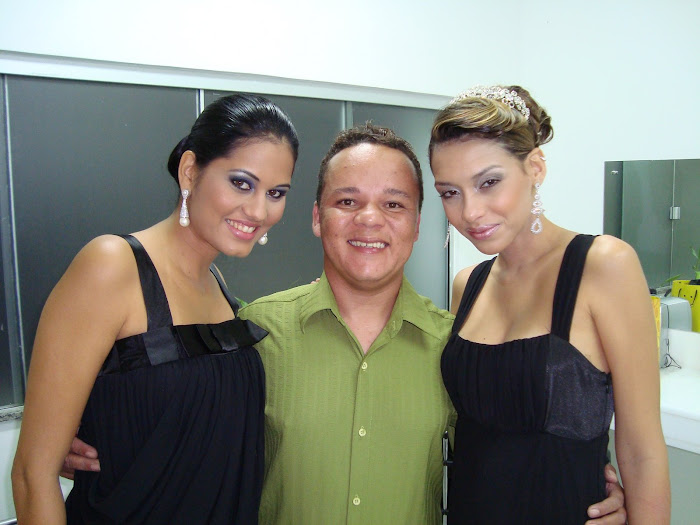 DAI ALVES COM AS MODELOS YVE  GOES E CAROL TAVARES