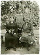 Rechts meine Urgroßmutter
