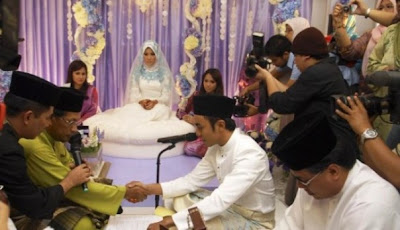 Gambar Pernikahan Raja Farah dan Megat Qhuyum
