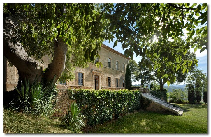 Chateau de Moissac provence