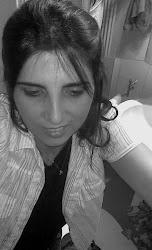 Sempre pensativa, vivo sempre a pensar para depois escrever!