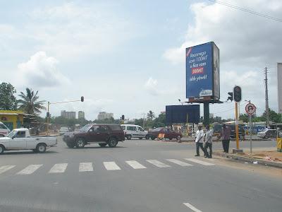 Av. Joaquim Chissano -- Acesso rápido ao centro da capital do País com segundo troço aberto...