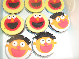 elmo and ernie cupcakes 19.9.09