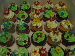 pretty flower cupcakes 11.6.10