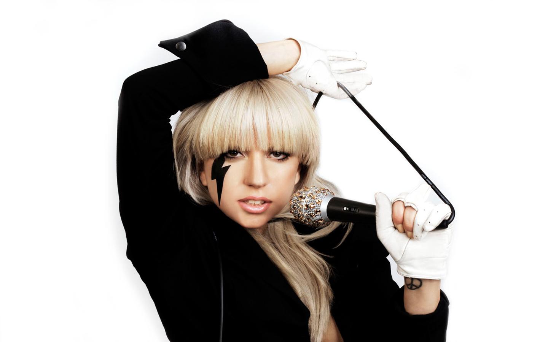 http://1.bp.blogspot.com/_l_qEpX9bWBY/TLHzR8kaUoI/AAAAAAAAAAk/84KHqLQ1Z4A/s1600/lady_gaga_singing_1440x900%5B1%5D.jpg