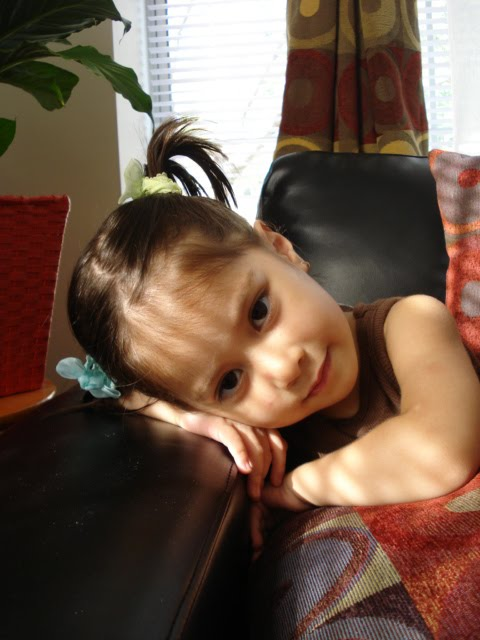 My other filipina little girl Have a pose for Mommy