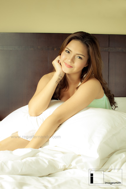 Princess Ryan in Simple Modern Bedroom Photoshoot Session