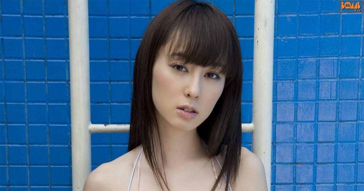 Rina Akiyama Nude Photos 11