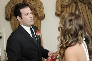 Show Tune ceremony at Las Vegas wedding chapel