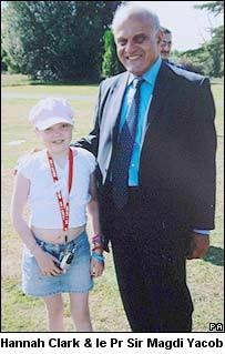 Hannah Clark et le Pr Sir Magdi Yacob