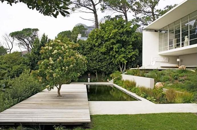 Adventurous design quest gubbins house by antonio for Landscape architects south africa