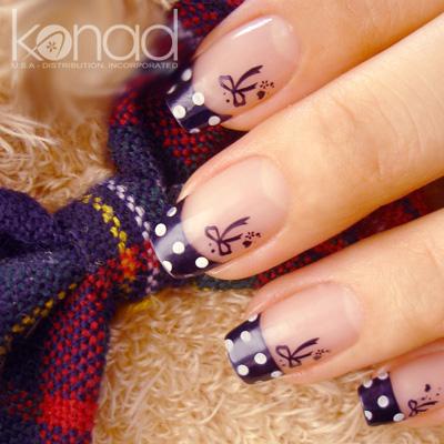 Decoración de uñas esculpidas y naturales.