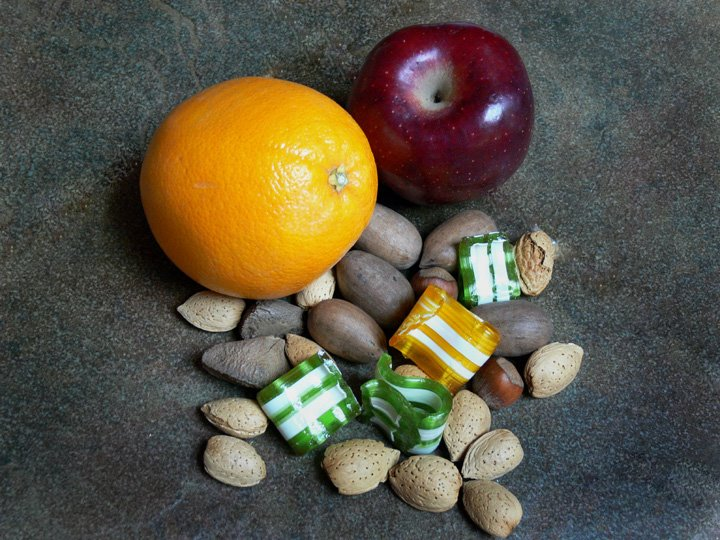 [Christmas+fruits+and+nuts.aspx]