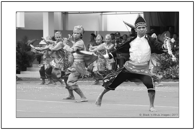 Indonesian traditional dancers