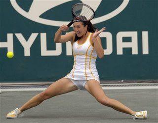 Jelena Jankovic oops