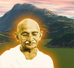 Una pintura con Gandhi iluminado por un aura potente y anaranjada, medita en la naturaleza...