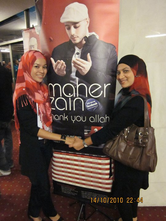 Maher Zain With His Wife And Daughter http://ceqziziey.blogspot.com/2010_10_01_archive.html