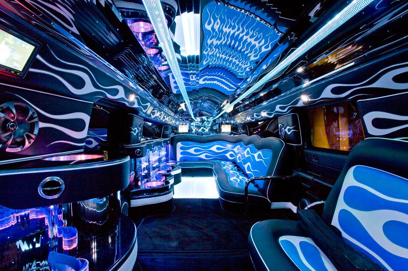 acessa autos a beleza por dentro de uma limousine
