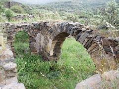 ΛΑΖΑΡΟΣ: Μεσαιωνικό χωριό της Τήνου