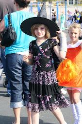 Haylin's halloween '09