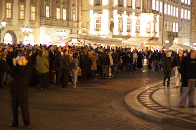 Prague Orloj crowd