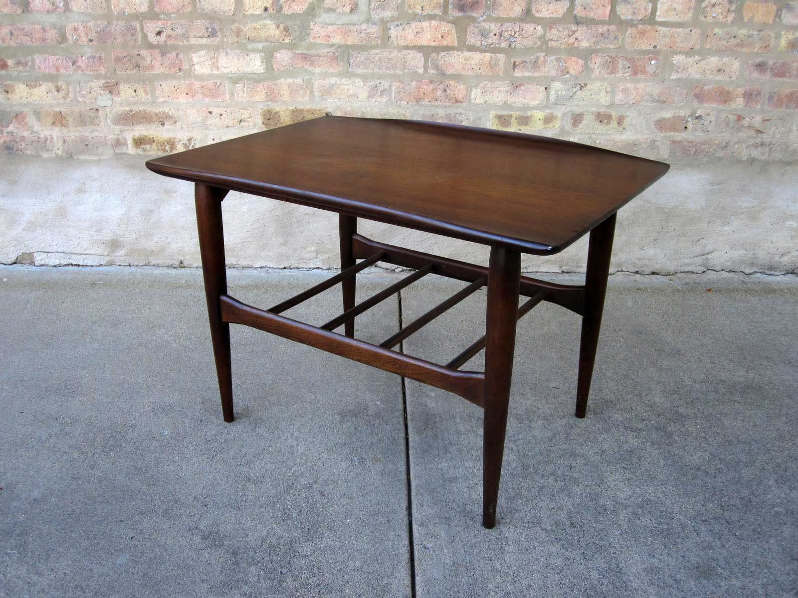 Genial U0027bassettu0027 Walnut End Tables
