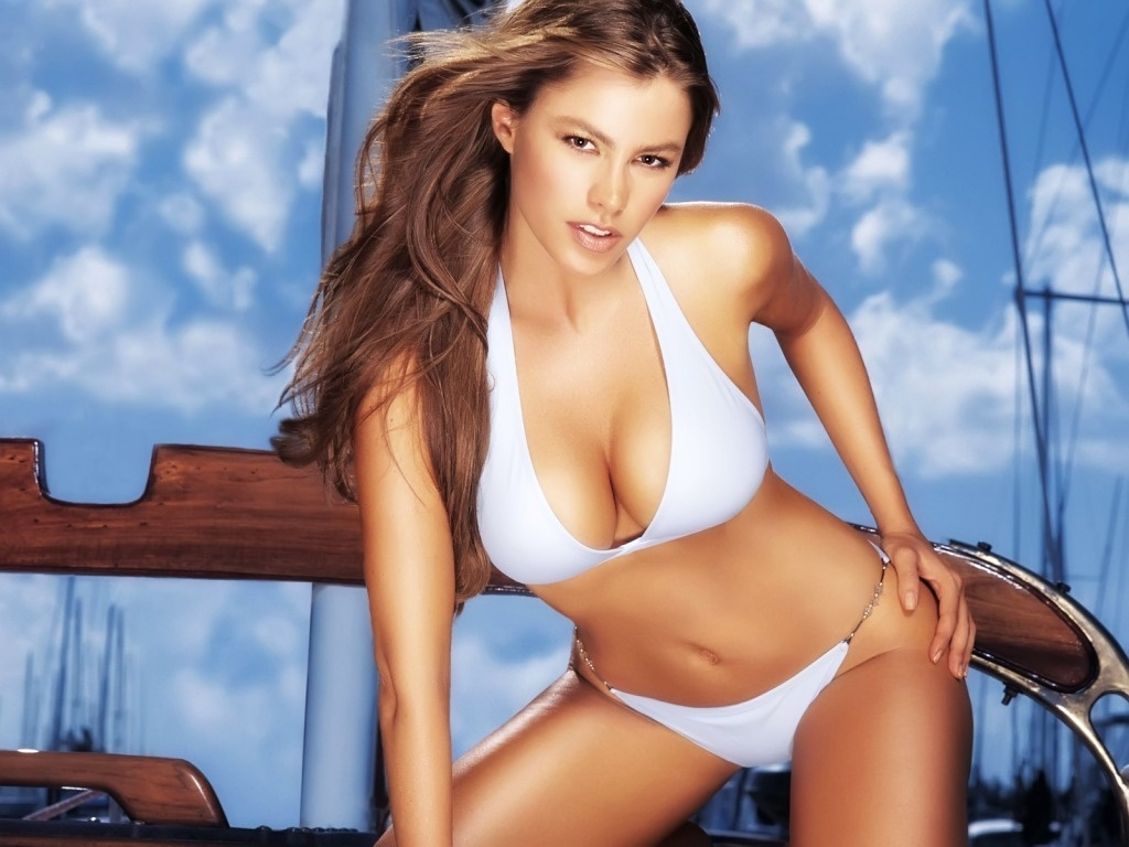 Hot Bikini Girl Wallpapers. Posted: 17 Jan 2011 10:47 PM PST