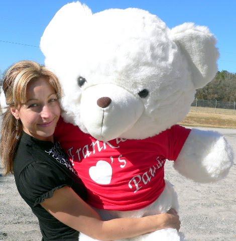 Huge Teddy Bear on Facebook Labels Cute Teddy Bear Pictures Cute Teddy Bears Sneak A Kiss
