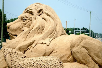 Sand Art - Lion and Sheep