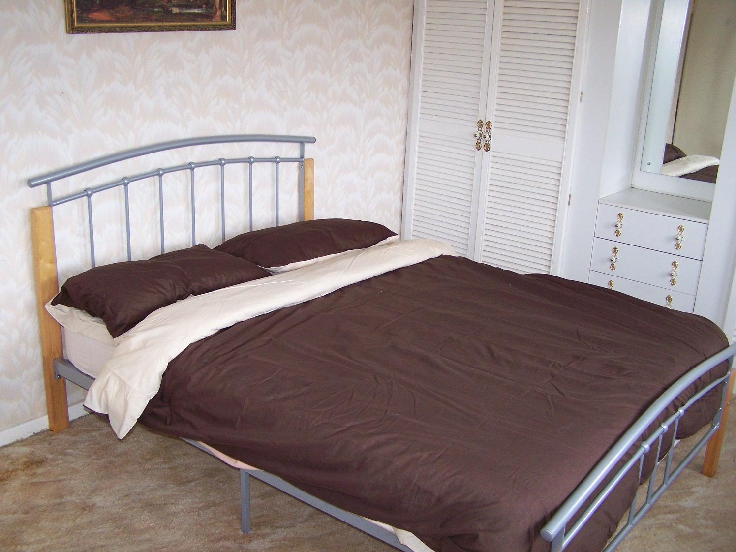 [bed+left.JPG]