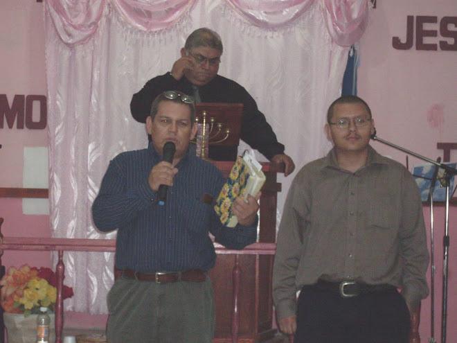 Hnos. Manuel y Carlos Yepiz