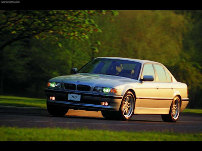 BMW E38, ce mythe  BMW-740i_2001_800x600_wallpaper_02