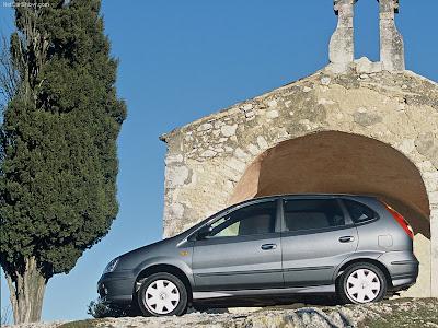 2005 Nissan Almera Tino