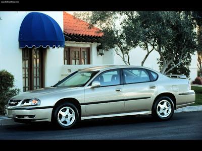El nombre Impala resucitó para el año modelo 2000 en sustitución de la
