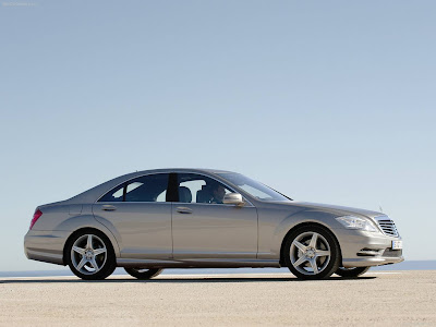 Mercedes Benz S550 Wallpaper. 2010 Mercedes-Benz S-Class